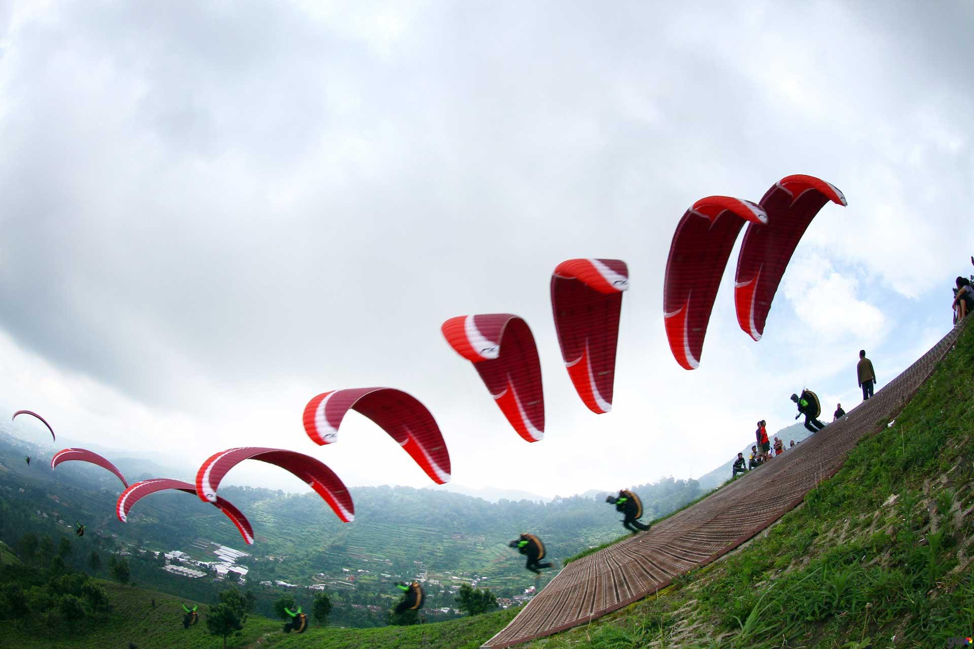 0812 9393 9797, Sewa Paralayang Puncak, Puncak Paralayang